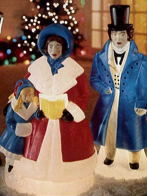 victorian carolers - Plastic Christmas Yard Decorations