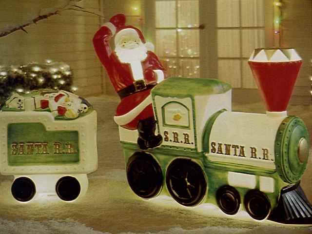 Brilliant Plastic Outdoor Christmas Train Decoration 640 x 480 · 32 kB · jpeg